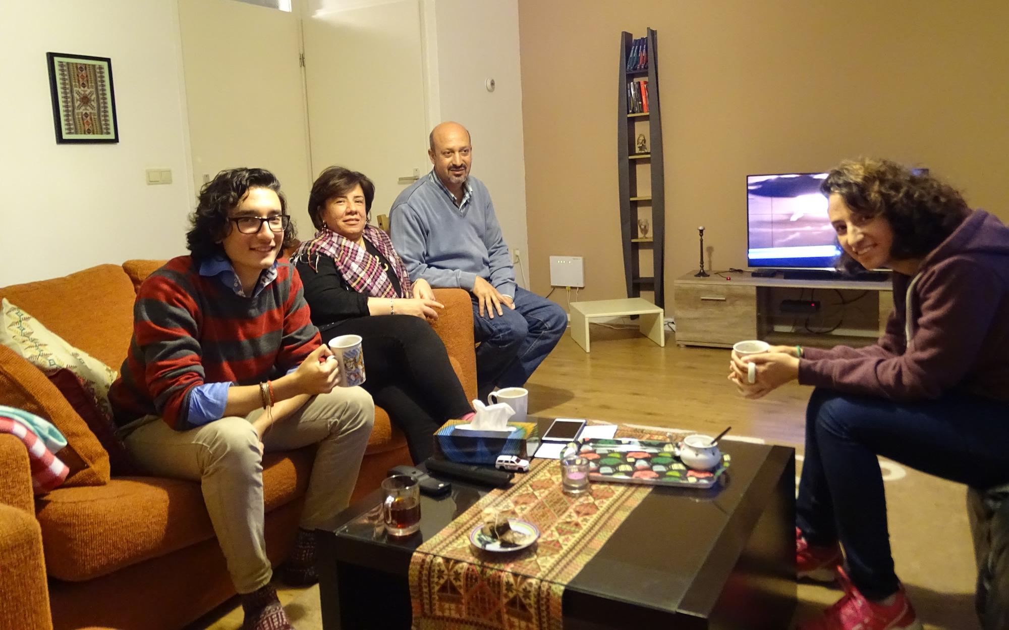 Syrische vluchtelingen warm onthaald in tubbergen - Haard thuis wereld ...