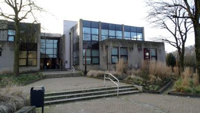 Entree van het gemeentehuis in Tubbergen