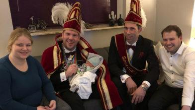 Mads von Piekartz met ouders en hoogheden