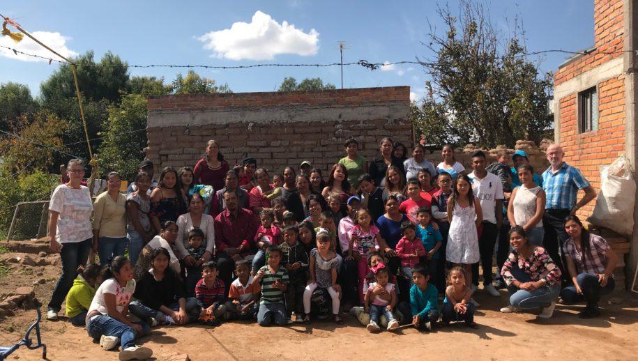 Nadine's Mexicaanse familie en haar Nederlandse ouders