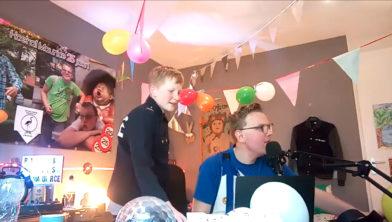 Tobias Horst en Maurice Grobben tijdens hun carnavalsuitzending