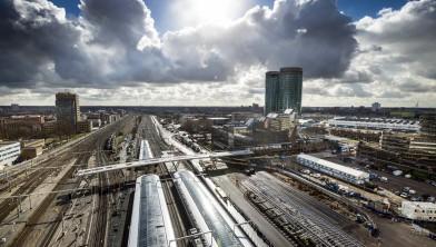 Utrecht Centraal onder zwaar wolkendek