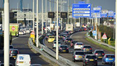 Files op de Rondweg Utrecht, snelweg A12. COPYRIGHT TON BORSBOOM
