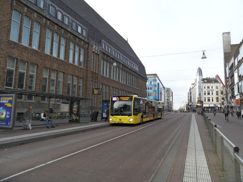 ruw vrouw gezicht zitten in Utrecht