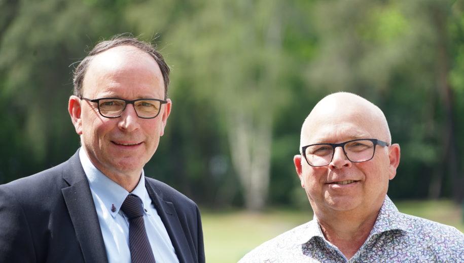 Wethouder Theo Geldens (links) en coördinator vastgoed Ben van der Aa