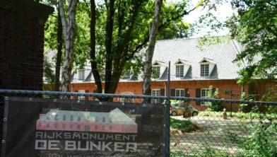 De Bunker herbergt een B&B.