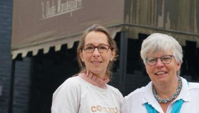 Ester van den Hoek (r) en Suzan van de Vorst (l)