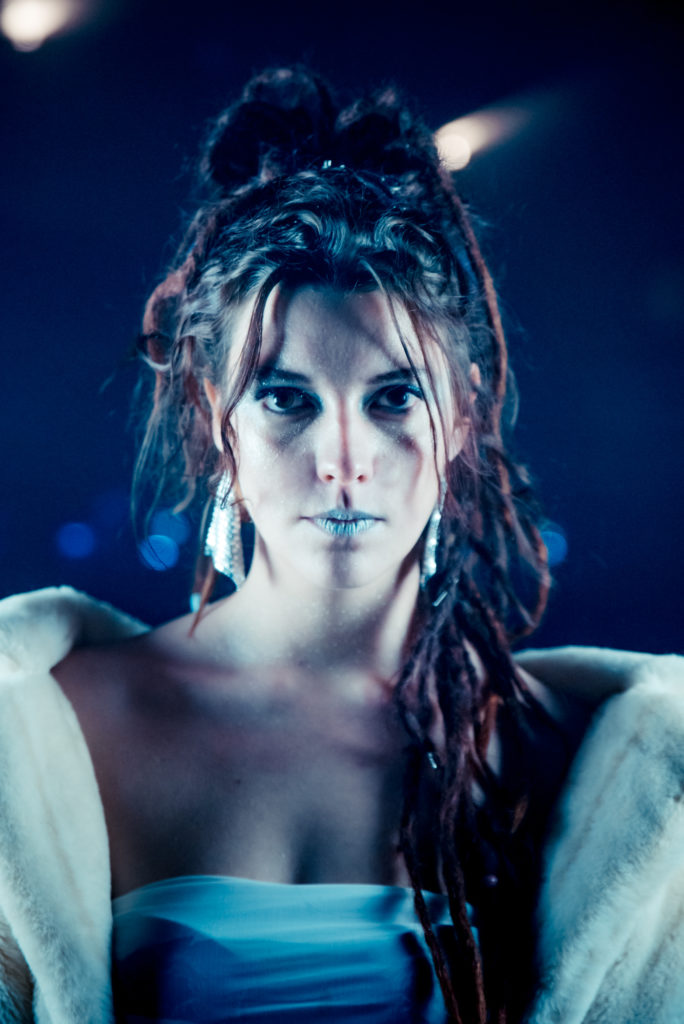 Camilla Blue De Hofnar - Camilla Blue
