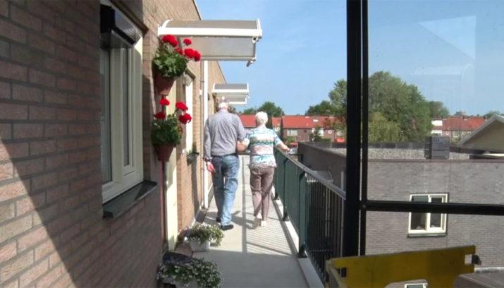 Lift In Huis : Ijmuidense ouderen aan huis gekluisterd door renovatie van lift velsen