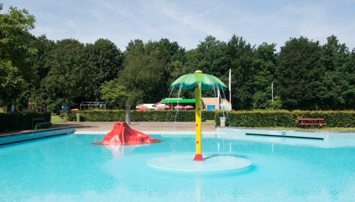 Tropische warmte! bikini aan en op naar het zwembad venlo