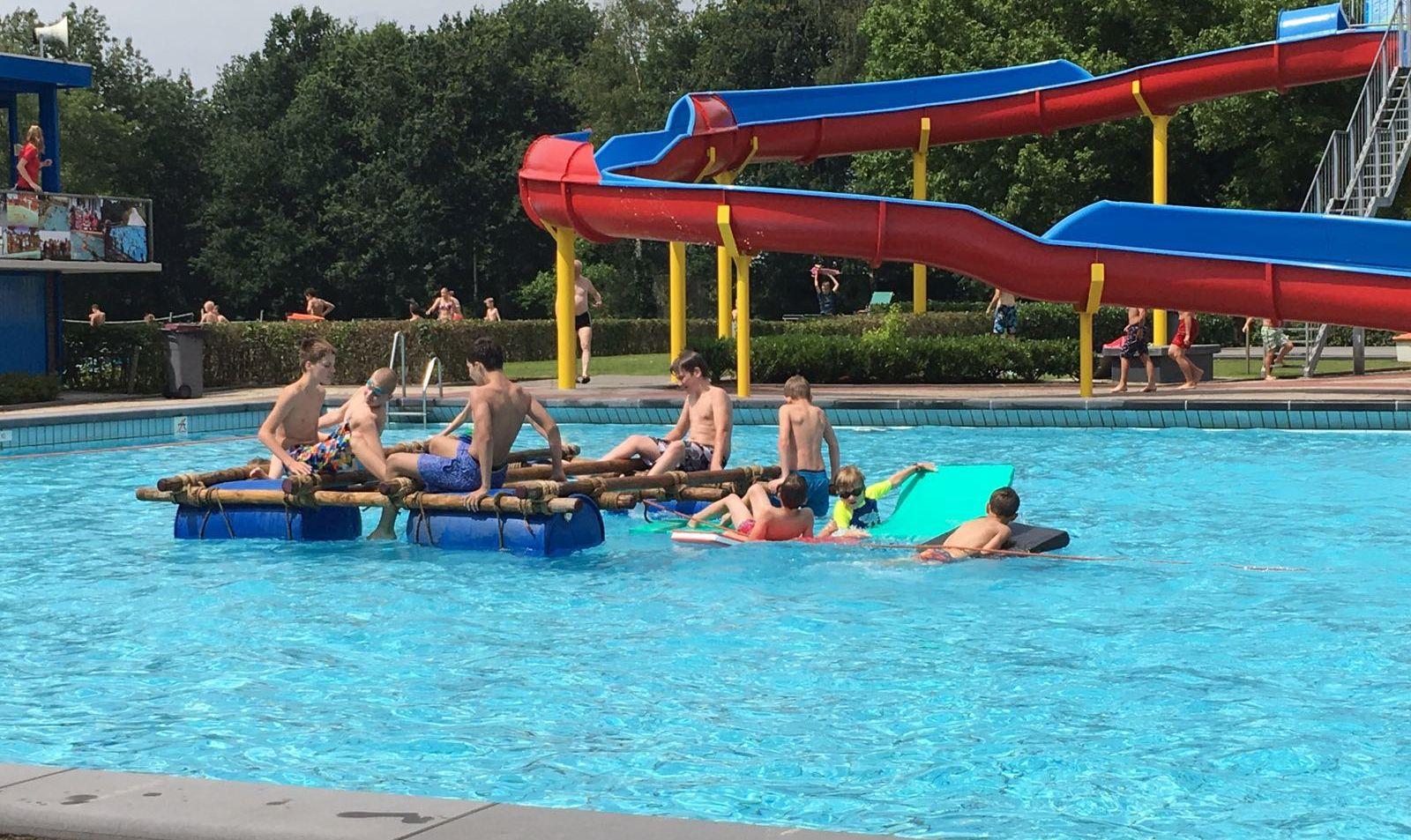 Geslaagd evenement scouting jan de rooij bij zwembad zidewinde waalwijk - Zwembad toren in kiezelsteen ...