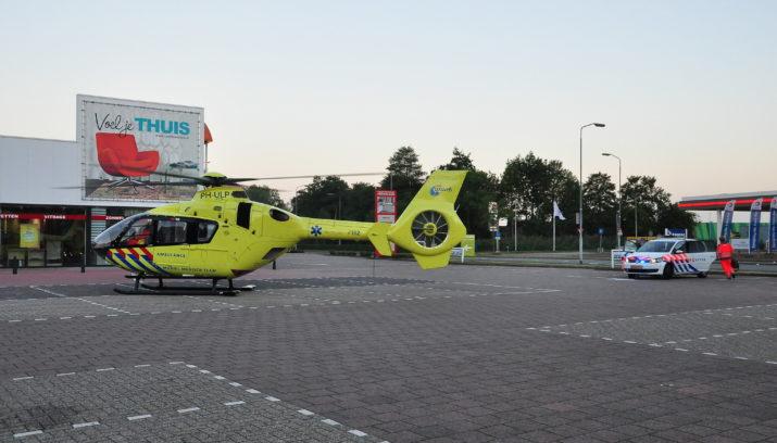 Piet Klerkx Waalwijk : Traumahelikopter landt op parkeerterrein piet klerkx vanwege