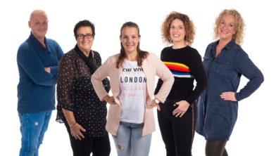 Niels, Ria, Hymke, Danique en Linda (v.l.n.r.) zijn blij dat ze de stap naar het Obesitas Centrum gezet hebben.