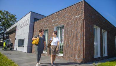 V.l.n.r.: Anja van Loon en Sanne van Beek