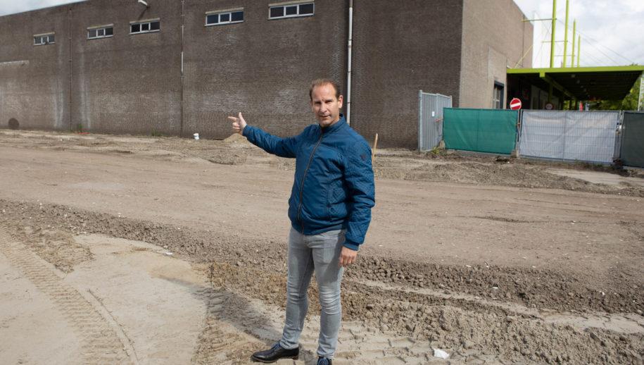 """Stephan van Engelen: """"Hier komen 90 nieuwe parkeerplaatsen."""""""