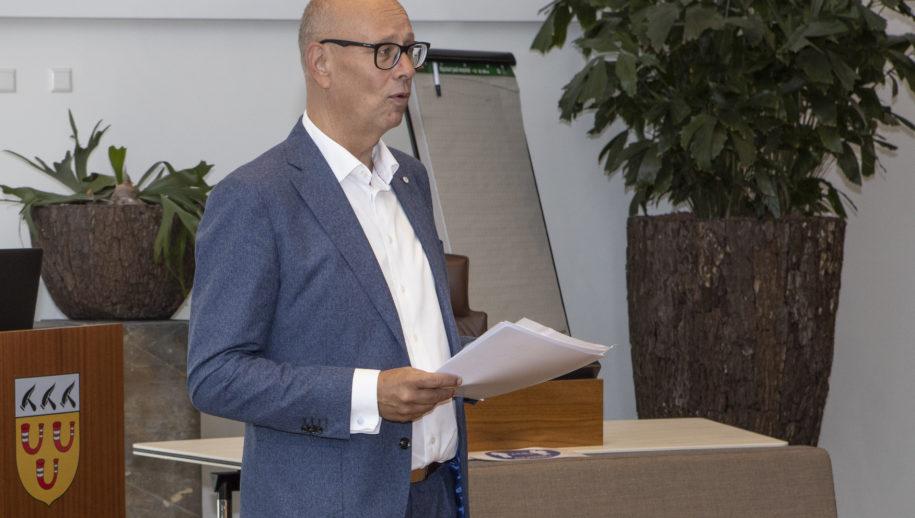 """Wethouder Gerard Bruijniks van Loon op Zand: """"Afval scheiden kan nog beter."""""""