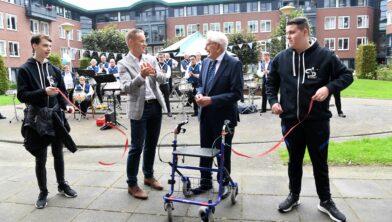 Opening beweegroute Antoniushof  met aanwezigheid van wethouder John van den Hoven.