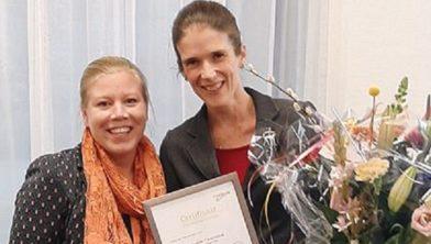 Mariëlle Veenendaal rechts naast Pauline Wegh, Planetree coördinator