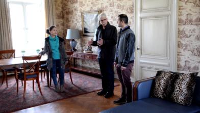 In de videoserie 'Enkele Reis Woensdrecht' kregen twee statushouders een rondleiding door de tuinen en de villa.