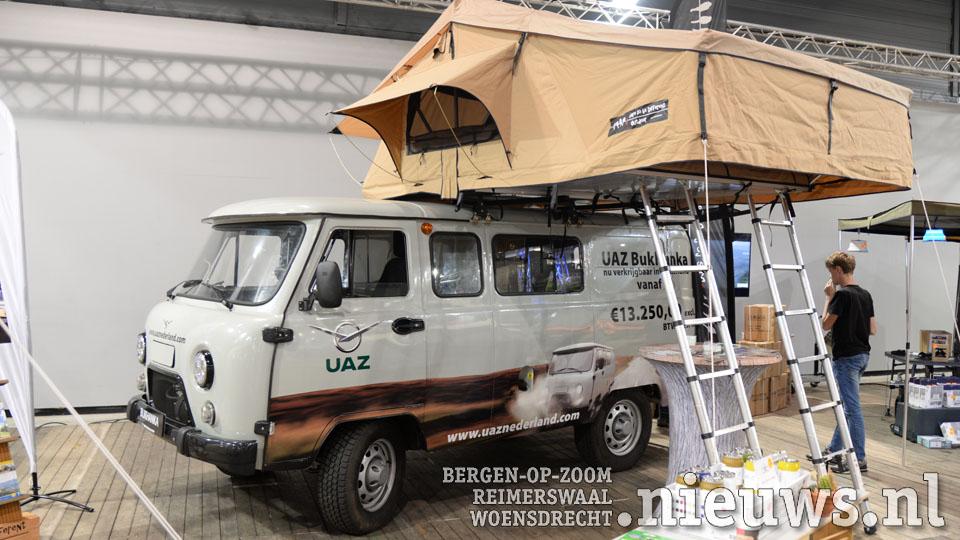 Een daktent op een UAZ Bukhanka