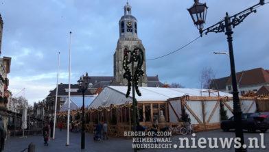 Sinds Zaterdag Is De Ijsbaan Op De Grote Markt In Bergen Op Zoom