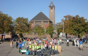 Wijkbewoners Fort-Zeekant samen aan de slag op World Cleanup Day
