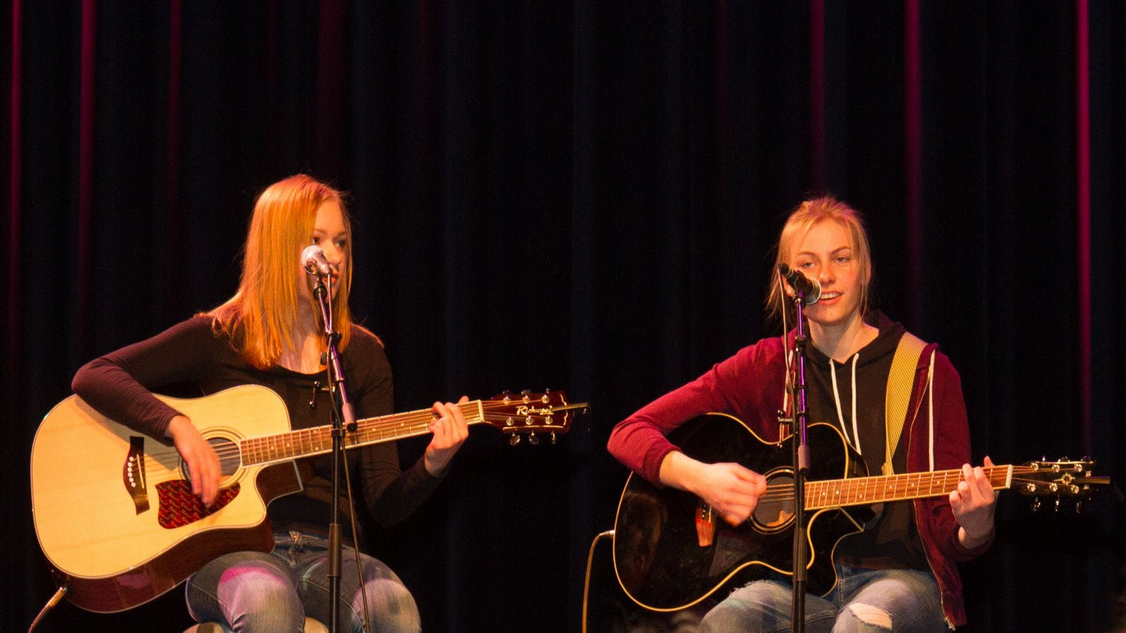 Theateroverval-Talent-singer-songwriters-bij-Wereldvrouwen