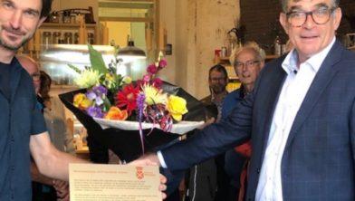 Molenaar Jeroen van de Water (l) en wethouder Paul Loermans (r).