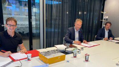 Verstraaten (CPO Batenburg), wethouder Gerrits en adjunct-directeur De Kernen Martijn de Groof (v.l.n.r.)