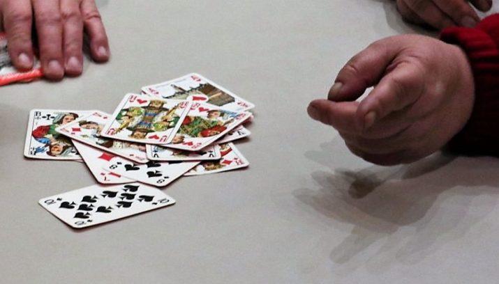 In dit piepkleine dorpje smijten ze massaal hun kaarten op tafel