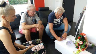 Jelis Schuiling (Hairpoint) ondertekend het contact