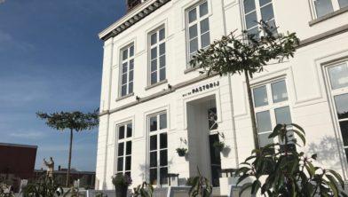Restaurant Bij de Pastorij aan de Raadhuisstraat in Hoogerheide