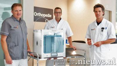v.l.n.r.: Gipsverbandmeester Harry Jan Raad, chirurg Barthold Kuiken en orthopedisch chirurg Jacco van Doorn