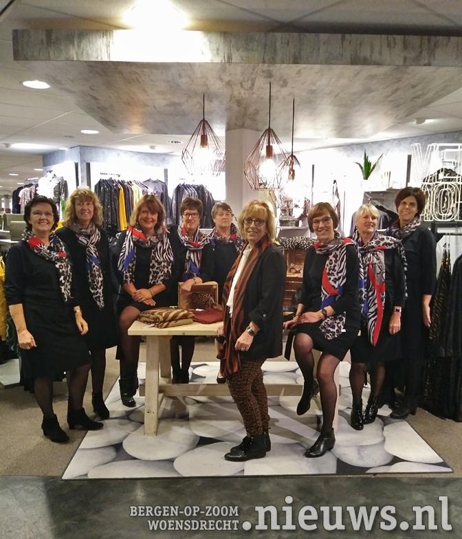 Lots of Fashion in Hoogerheide feliciteert Podium Kloosterhof met 15-jarig bestaan