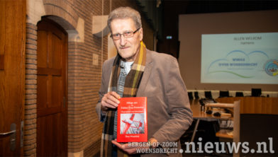 Theo Wesselink presenteert zijn boek