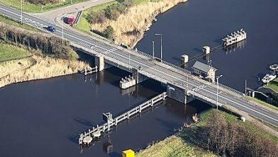 Nu nog de Beatrixbrug, straks de Prinses Amaliabrug.