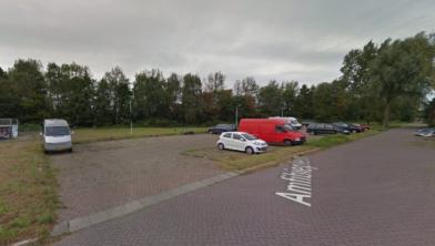 Het Amfibieplein in West-Knollendam.