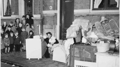 Een huisuitzetting in 1952.