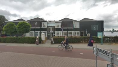 Hotel Zaandijk ging op slot na een explosie en een brandstichting.