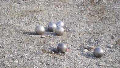 Eén van de aangeboden activiteiten is jeu des boules.