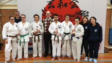 De deelnemende Nishi-leden en prijswinnaars.