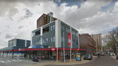 Het DekaMarkt-filiaal aan de Oostzijde in Zaandam.