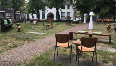 Het terras van Cultureel Centrum Bullekerk in de opbouwfase.