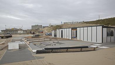 Strandpaviljoens in aanbouw (Foto: Wim Meijer Fotografie)