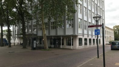 De vroegere Turmac, nu het gemeentehuis van Zevenaar.