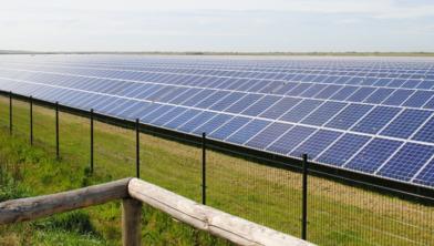 Er komen zonnepanelen langs de Scholtensteeg