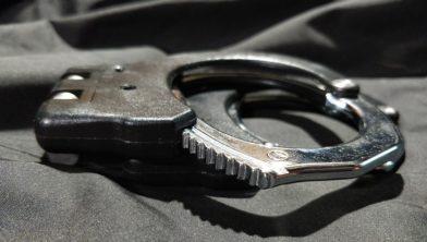 Acht verdachten zijn aangehouden vanwege een gewelddadige beroving