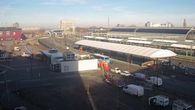 Het nieuwe busstation waar vanaf zondag 1800 busritten per dag zijn