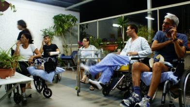 Drie op de tien personen zonder werk gaven in 2018 aan door een langdurige ziekte, aandoening of handicap belemmerd te worden bij het verkrijgen van werk. Dat zijn ruim 1,2 miljoen personen.