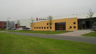 H. Huyskamp's Fijnhouthandel breidt steeds verder uit in Zwolle